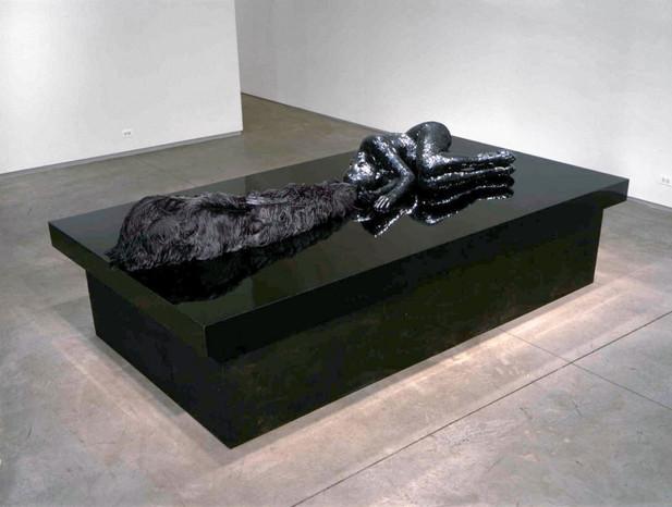 EDWARD LIPSKI Showgirl, 2003 70,5 x 294,5 x 160 cm