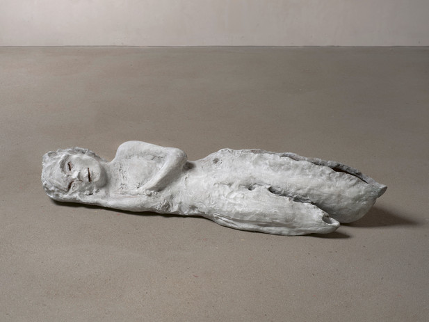 LEIKO IKEMURA Lying in White, 2013 - 2018 patinated bronze 27 x 133 x 40 cm edition of 5