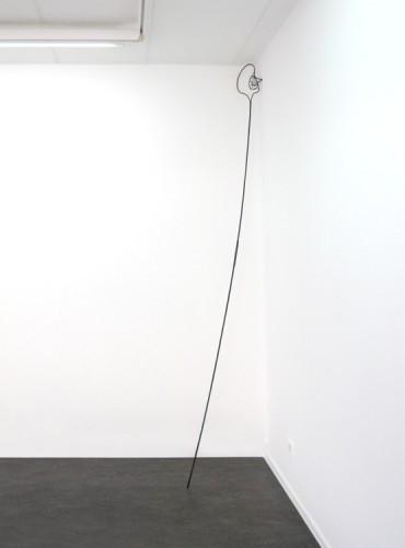 TOMASZ KOWALSKI Szyja, 2010 metal, paint h x 270 cm