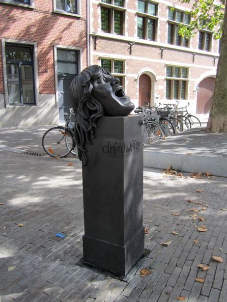"""KATI HECK Spuckschluckbrunnen """"acqua di hecki """" - aus mir in für Dich, 2013 bronze 133 x 36 x 42 cm"""