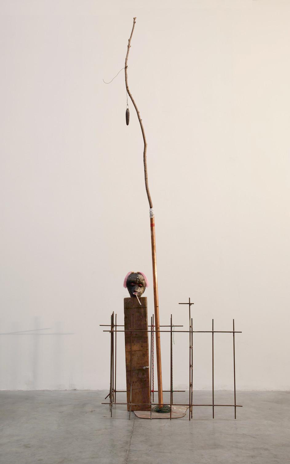 HENK VISCH Monument to Commemorate Sympathy, 2021 metal, wood, styrodor 255 x 85 x 61 cm