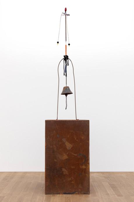 HENK VISCH Nezahualcoyotl, 2020 metal, mixed media 220,5 x 50 x 50 cm