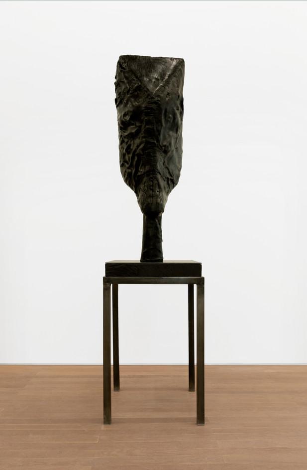 EDWARD LIPSKI Horsehead, 2020 rubber, wood, steel 128 x 40 x 33 cm (sculpture) 89 x 56 x 56 cm (plinth) unique