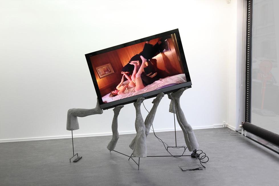 GELITIN, Die Schwebende Liegende, 2011