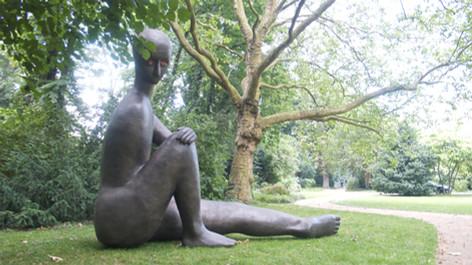 HENK VISCH Not god but I will help you, 2011 bronze height: 360 cm