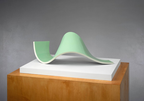 ANTON HENNING Liegende No. 2, 2007 wood, synthetic resin, car paint 37 x 95 x 46 cm