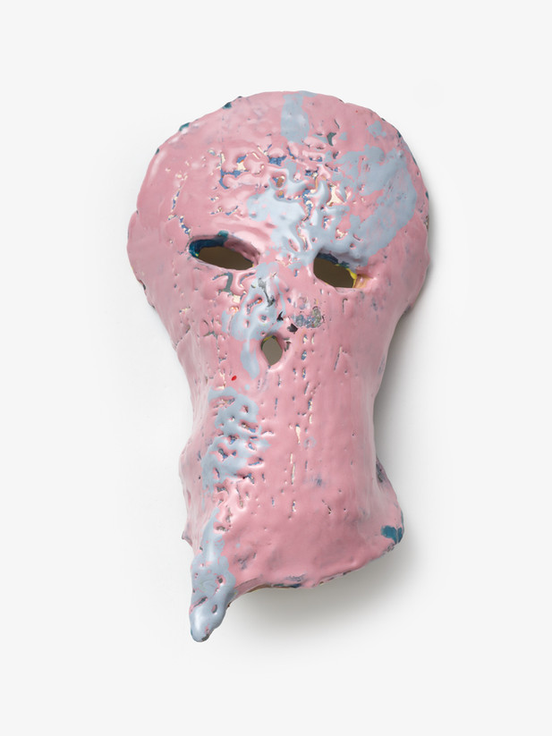 JONATHAN MEESE DER ERDBEERRITTER SCHMATZT DICH!, 2020 glazed ceramic, artist pedestal 39 x 22,5 x 13 cm 117 x 30 x 30 cm (pedestal)