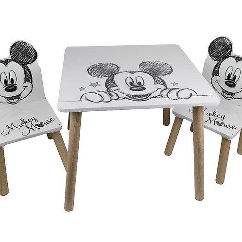 שולחן וזוג כיסאות מעץ מיקי מאוס