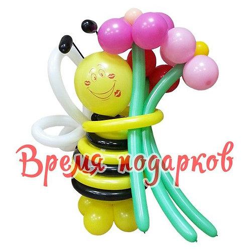 Пчелка с цветами