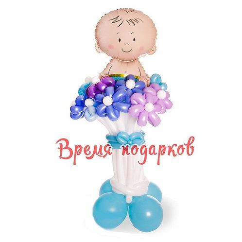 Малыш на цветочках