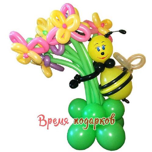 Пчелка с цветочками