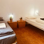 3-bed-private-room.jpg