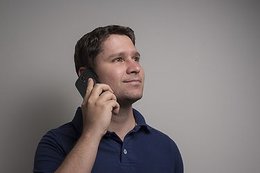 HOMBRE TELEFONO.jpg