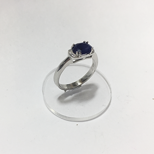 Sapphire ring set in sterling silver