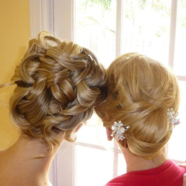 Beautiful ❤❤ Mother Daughter updos by 🌹