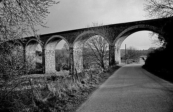 Balnacraig Viaduct 15627jhp 8Apr1989.jpg