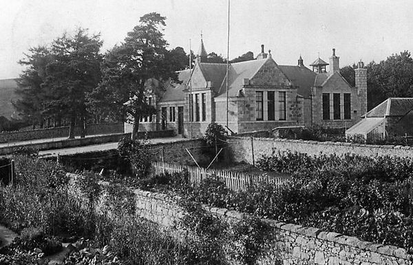 torphins school 1913.jpg