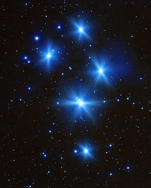 Milky Way stars Pleiades photographed wi