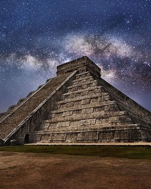 Mayan pyramid of Kukulcan El Castillo in