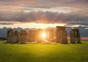 Stonehenge, Wiltshire, England.jpg
