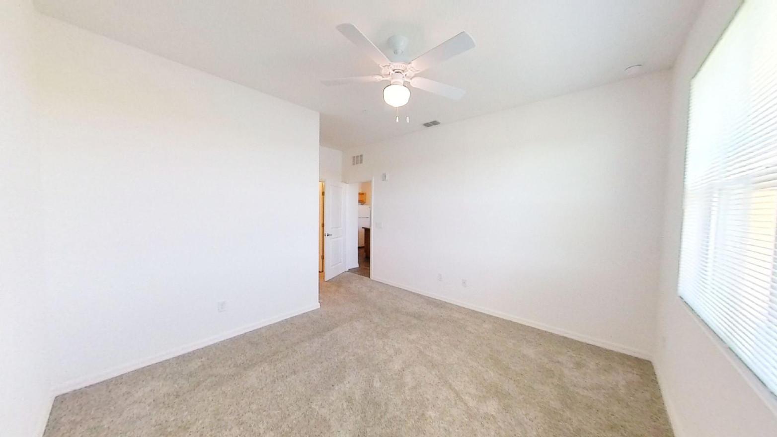 Interior unfurnished bedroom