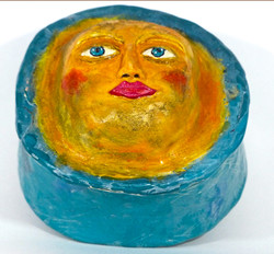 Moon Face Box