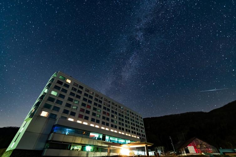 雫石星空外観(写真提供:雫石プリンスホテル)-1 (1).jpg