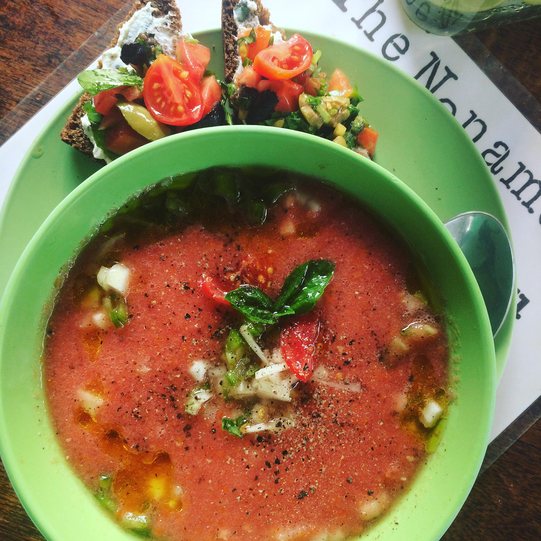 Red gazpacho & bruschetta