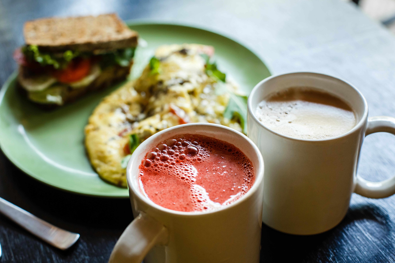 Omelette breakfast set serving
