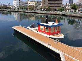kidboat1.JPG