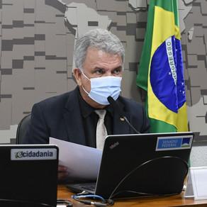 Petecão aprova regulamentação da venda de agrotóxicos e mantém atribuições de técnicos