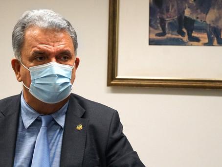 Petecão viabiliza R$ 5,6 milhões o custeio da saúde pública em 20 municípios