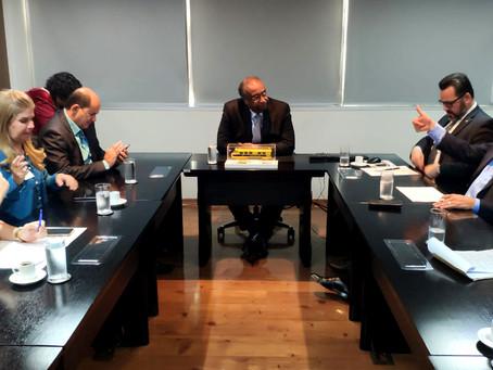 Em reunião no FNDE, Petecão pede o pagamento de R$ 2 milhões para a construção de escolas e creches