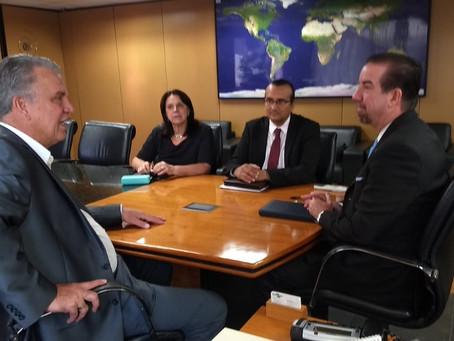 Senador Petecão e Embrapa debatem iniciativas para desenvolver o setor agropecuário brasileiro