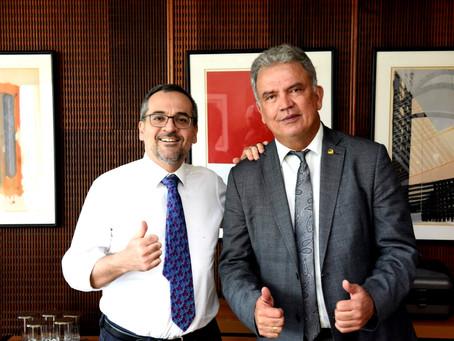 Petecão pede a ministro que obras de creches inacabadas sejam retomadas com urgência