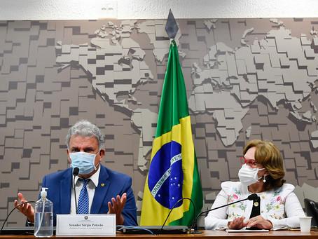 Bancada pede urgência na vacinação em massa da população do Acre e destaca colapso na saúde