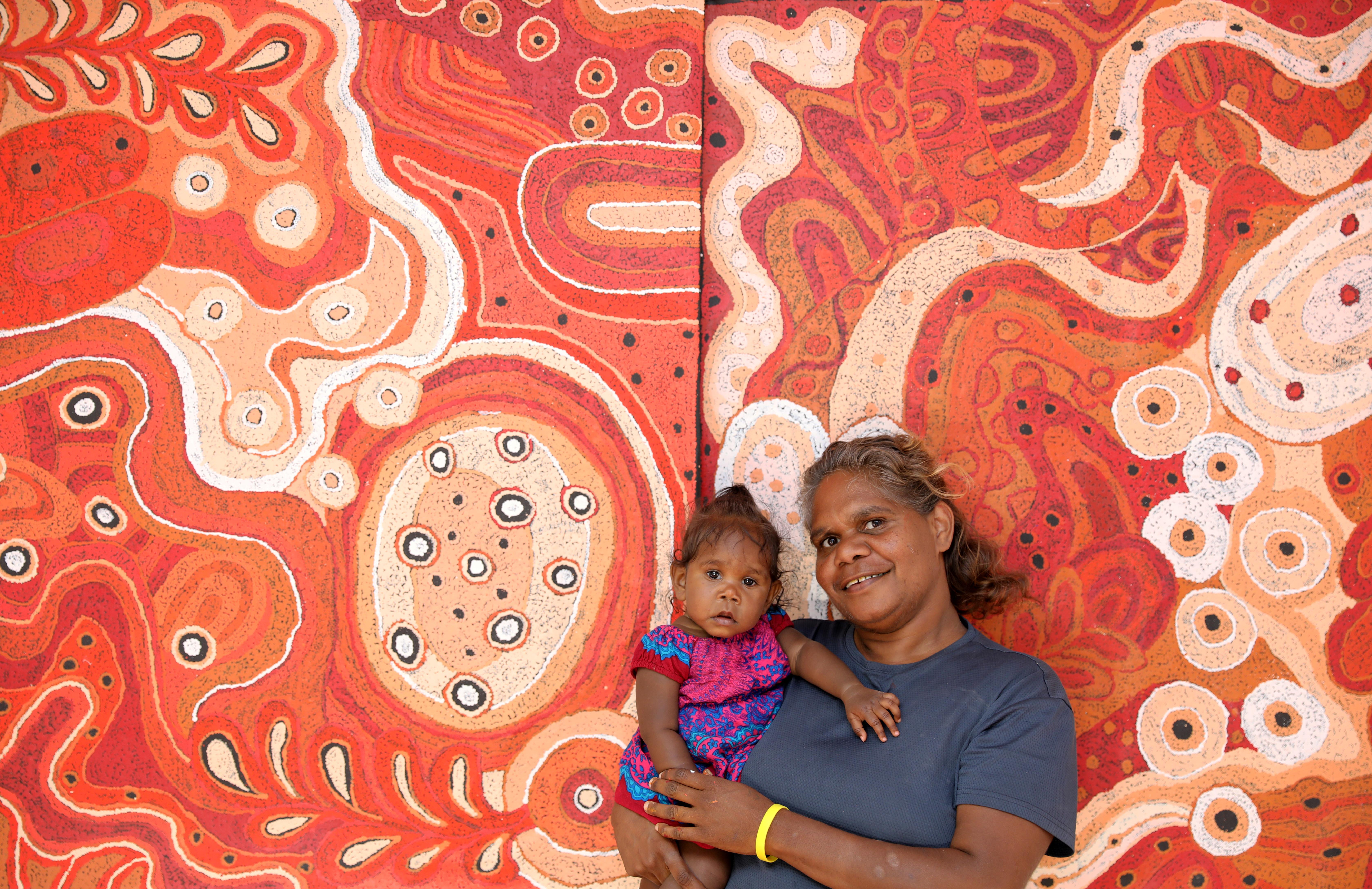 Anita Pumani and her granddaughter Anala in Mimili, photo: Mimili Maku Arts