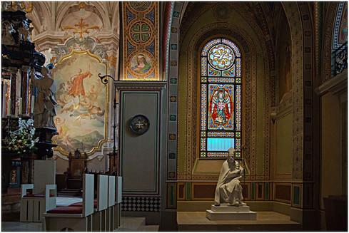 18_kirchenfenster-in-der-kathedrale-von-
