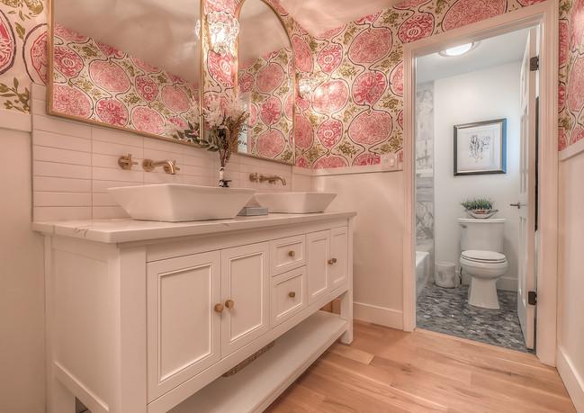 10bathrooms.jpg