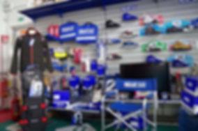 Negozio di rivendita accessori e abbigliamento motorsport a Prato