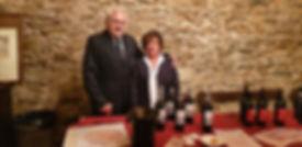 Degustazioni Festa dll'Uva 2019 – Franco Pariboni – Presidente Onorario AAA Morellino e Zita Magnani – socia AAA Morellino e Sommelier SES