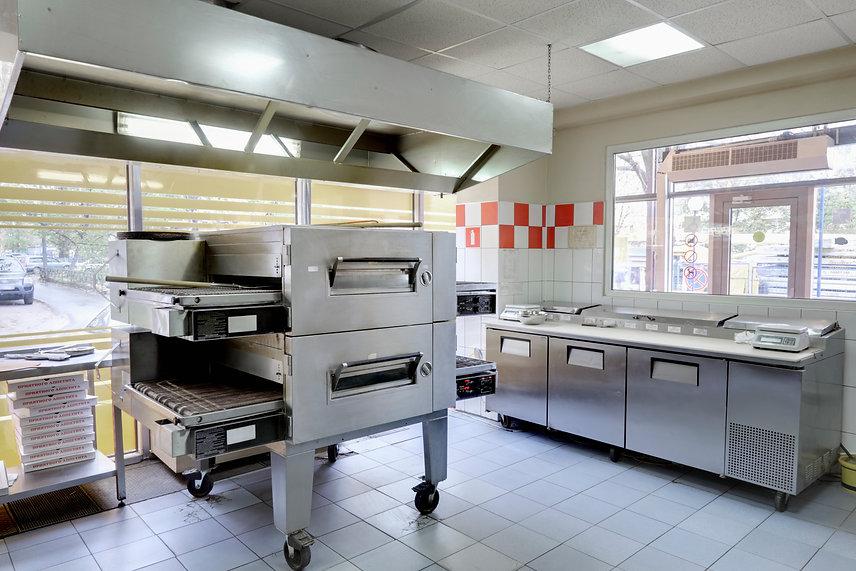 pizzeria-kitchen-BN6AJ4R.jpg