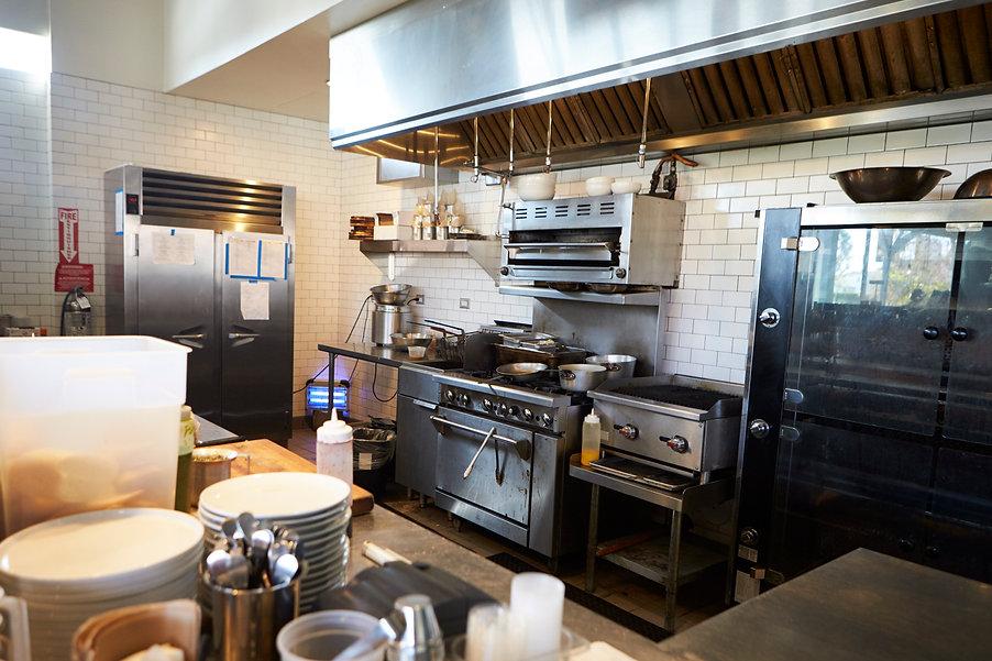 empty-kitchen-in-restaurant-PBBUR3X.jpg