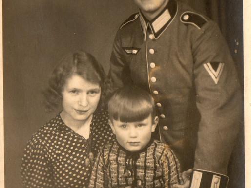 A Obergefreiter Der Infanterie Family Portrait