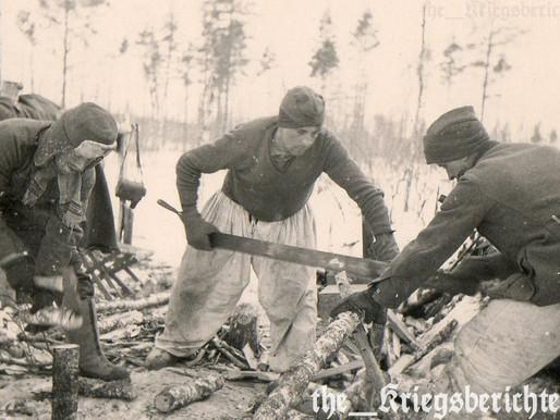 Heer Infanteries Collecting Wood