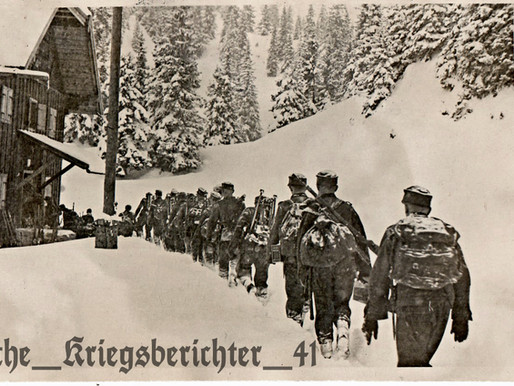 Gerbirgsjäger returning to the chalet