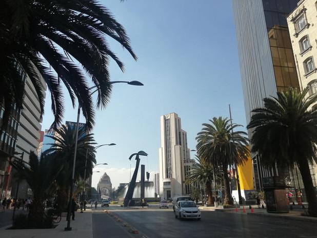 Narrativas urbano-arquitectónicas. Av Juárez, CDMX (2020). Fuente: EMGC ©