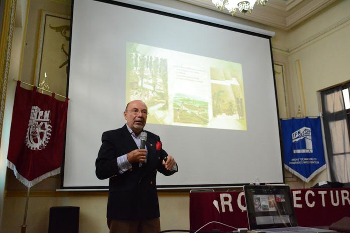 Conferencista Magistral Dr. Enrique X. De Anda. UNAM