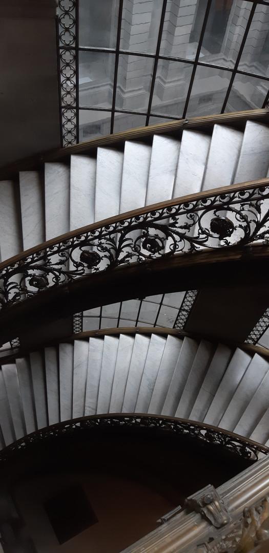 Escaleras interiores del MUNAL, CDMX (2017). Fuente: EMGC ©