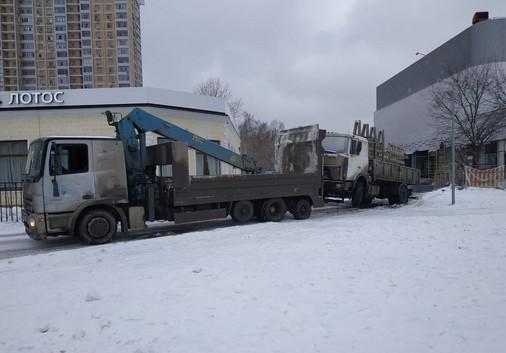 эвакуация грузового авто манипулятором.j